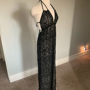EUC Stunning stretch lace dress with strappy back